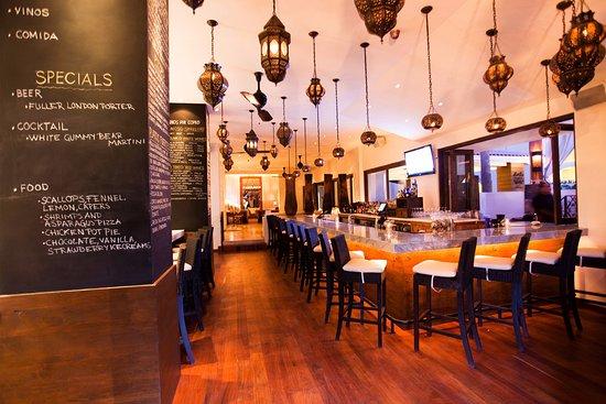 Bahia Hotel & Beach House: Bar Esquina Restaurant