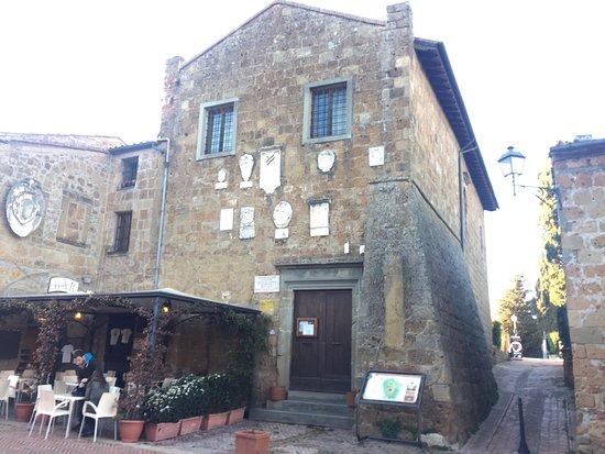 Sovana, Italia: photo1.jpg