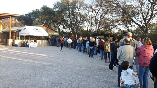 Driftwood, TX: The queue for the buzzer - before the near 2 hour wait!