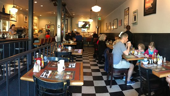 Corte Madera, Kalifornia: The Lighthouse Cafe - delightful breakfast
