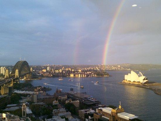 Quay West Suites Sydney Photo