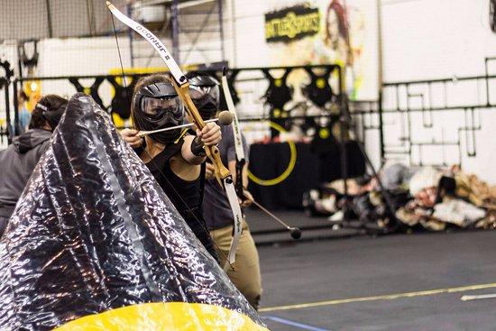 มอนทรีออล, แคนาดา: Combat archery!