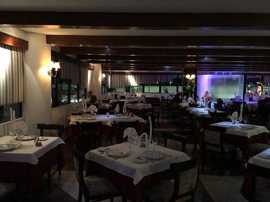 Belle salle manger obr zek za zen marcel restaurante for Belle salle a manger