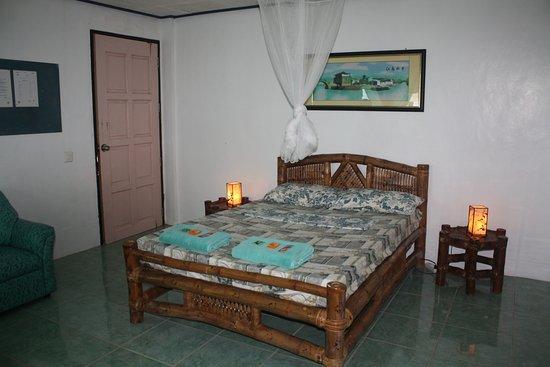 Entrance - Picture of Octopussy Bungalow Beach Resort, Samar Island - Tripadvisor