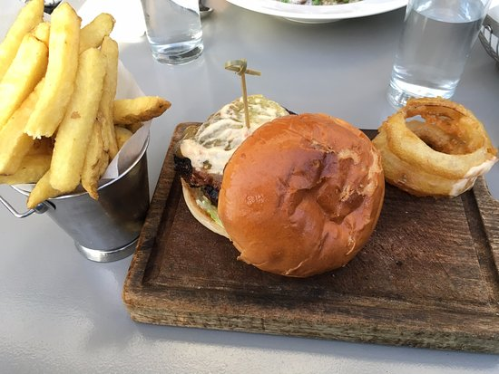 The Chophouse Gastro Pub: Hamburguesa