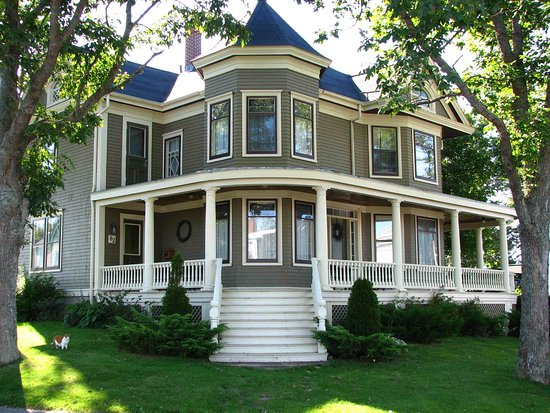 Lunenburg, Καναδάς: Architecture from our storied (and monied) past