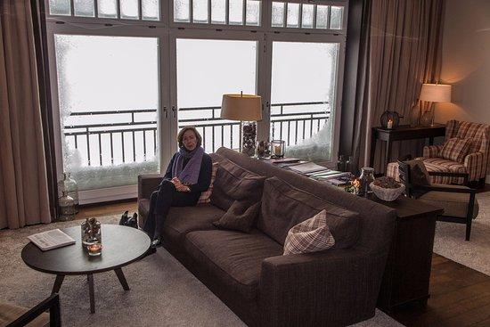 Guttannen, Schweiz: Der gemütliche Raum zum Sitzen und Lesen