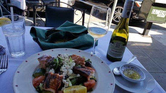 Le Petit Greek: Ionian salad