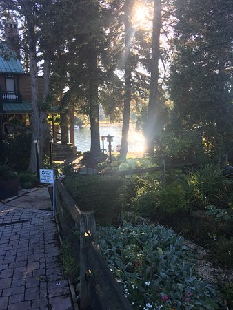 McHenry, MD: Sun rise at Lake Pointe Inn