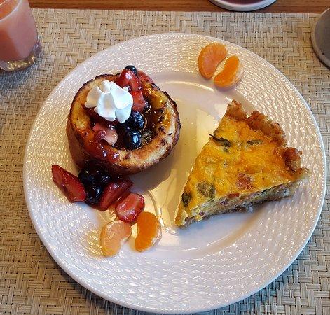 Mission Oak Inn: Incredible breakfast!!