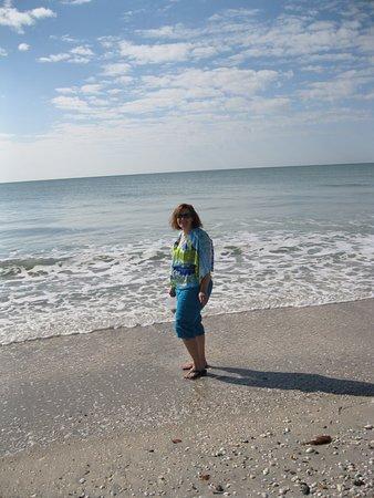 Englewood Beach: Walking the beach