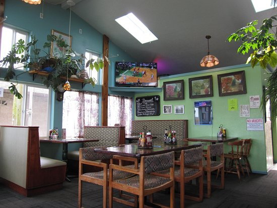 Waldport, OR: Part of the inside., The bar is on the opposite side