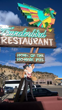 Mount Carmel, UT: Read the restaurant history on the menu - explains Ho-Made pies