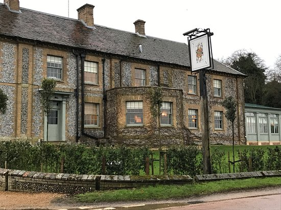 The Victoria Inn: The view from the front