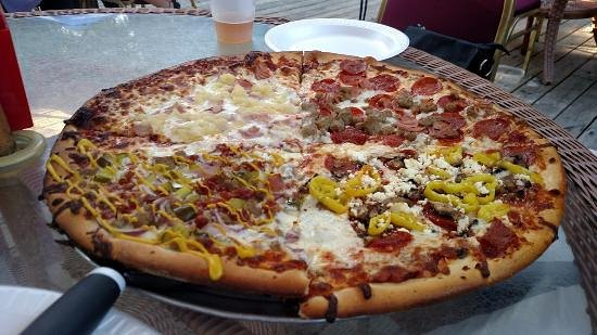 Upper Sandusky, OH: A little bit of everything, Pizza was awesome,