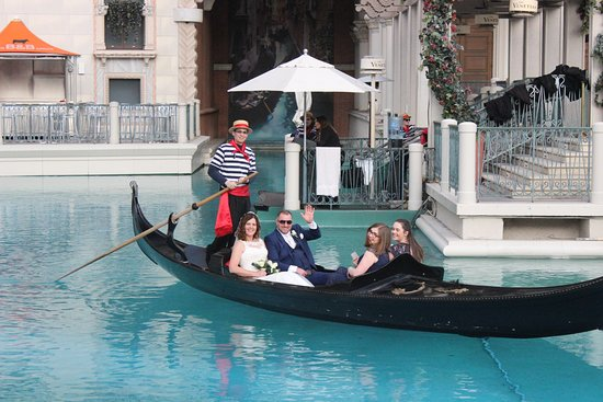Gondola Rides At The Venetian Wedding Day Punt