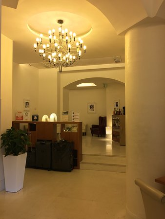 โรงแรมอูน่า เมซง มิลาโน: UNA hotel, Milan, Italy