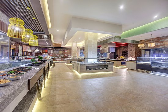 Cap Estate, St. Lucia: Gourmet Marché | International Buffet