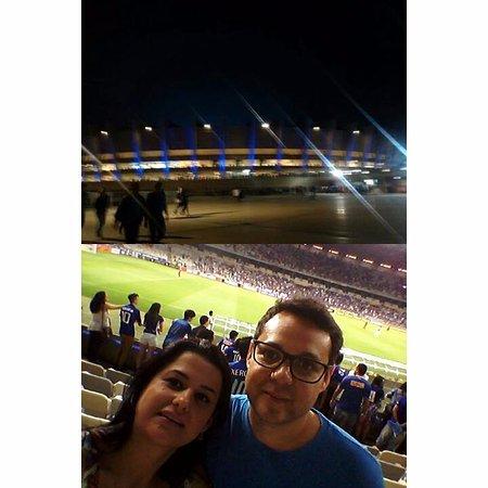Estadio Governador Magalhaes Pinto: Mineirão com o marido