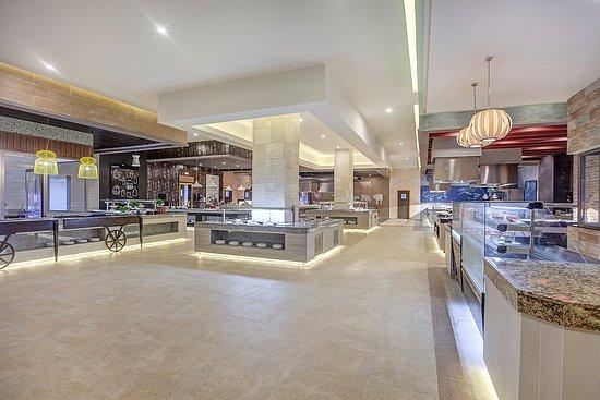 Cap Estate, St. Lucia: Gourmet Marché | International Buffet