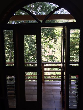 Mystic River Resort: View of the patio from inside our cabin