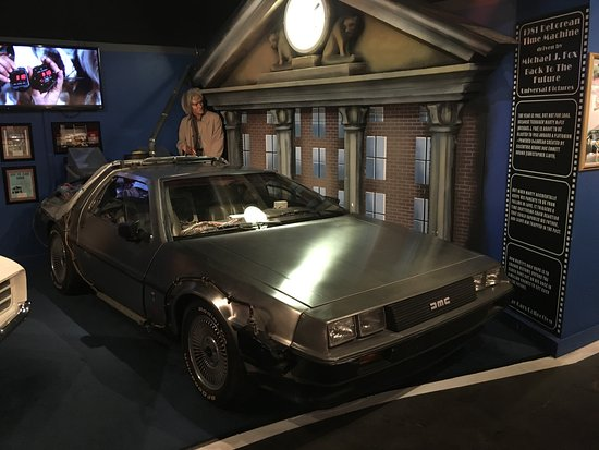 Hollywood Star Cars Museum : Backto the Future