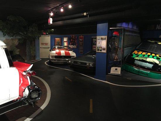 Hollywood Star Cars Museum: Floor