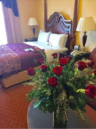 Ayres Hotel Seal Beach: My hunnney loved her Valentine's Day