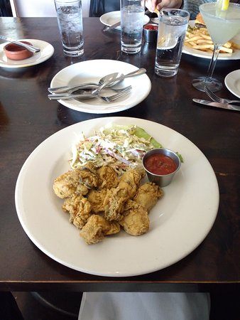 Roots Restaurant and Bar: Crispy fried oysters