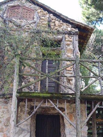 Parque de El Capricho: Casa de la Vieja