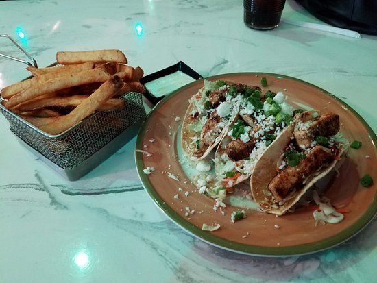 Abilene, Kansas: Fish tacos and homemade fries