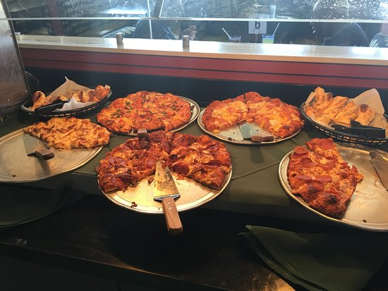 Round Table Ceres Ca.Great Tuesday Buffet Review Of Round Table Pizza Modesto Ca