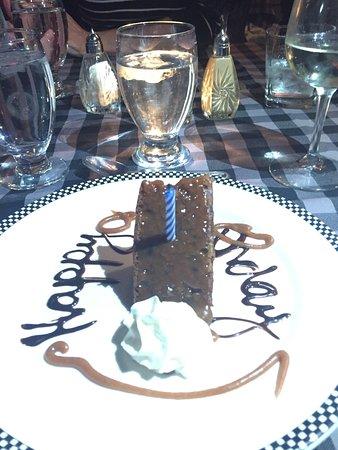 บรอกวิลล์, แคนาดา: Free birthday dessert!