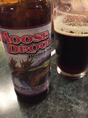 Grizzly Claw Restaurant : Local beer. Who could resist...Moose Drool?
