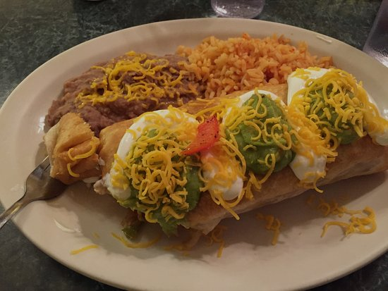 Grizzly Claw Restaurant : Vegetable Chimichanga...Yummy! HUGE!