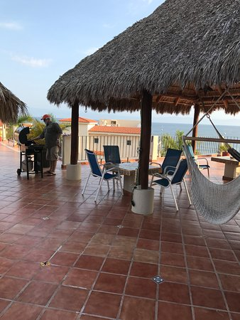 Hotel La Quinta del Sol: The 3rd floor BBQ/sitting area