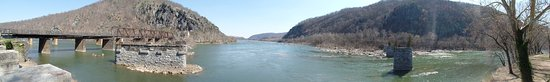 Harpers Ferry, WV: Confluence of Potomac and Shenandoah Rivers