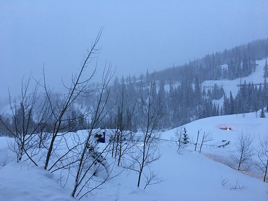 Montage Deer Valley: Early morning after snow.