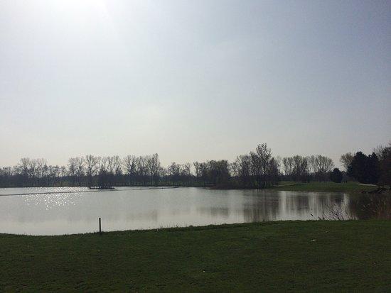 Villars-les-Dombes, Франция: Un très bon moment, ressourçant par le parcours de golf et appétissant par le moment de restaura