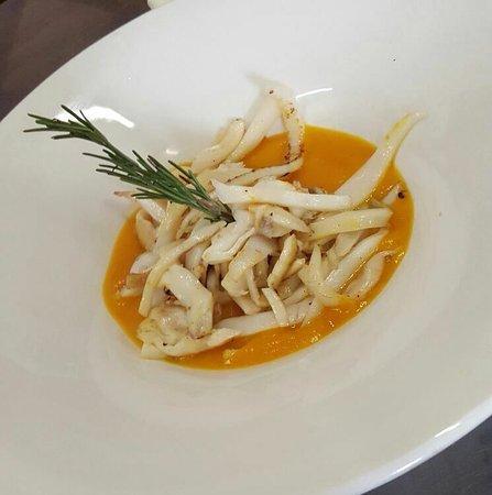 Ospitaletto, Italie : Seppia croccante su vellutata di zucca