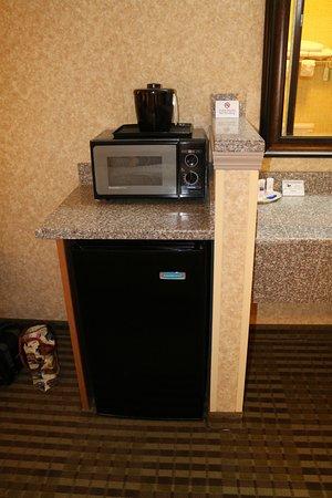 Ephrata, WA: Microwave & refrigerator