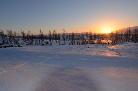 Icelandair Hotel Hamar: The golf course at sun-rise, from the hot-tub after a little snow