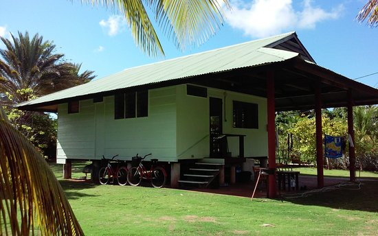 Rande's Shack : Front door/porch of 1 bedroom bungalow