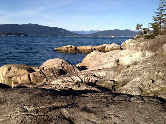 West Vancouver, Canada: Western end of LH Park looking out towards Bowen Island