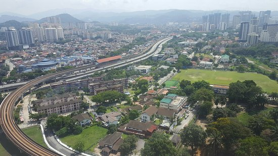 DoubleTree by Hilton Hotel Kuala Lumpur: Daytime view out the window from Room 2617