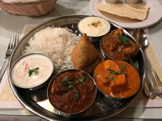 Ballwin, MO: Chefs Thali Dinner for One