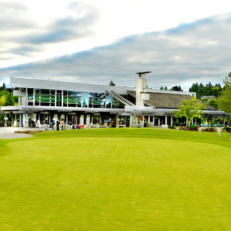 McCleery Golf Course : McCleery Clubhouse