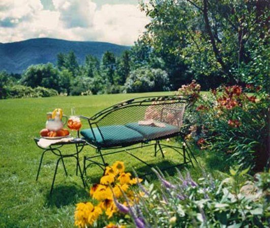 Manchester, VT: Sit and relax with  a view of the Green Mountains