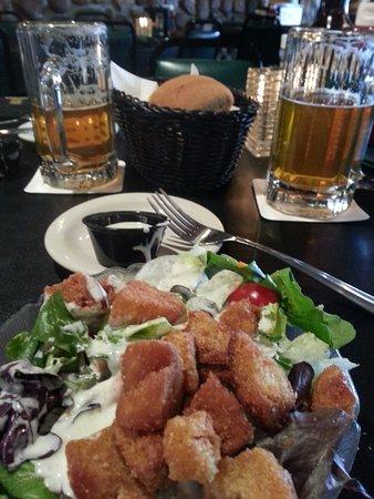 Boone's Long Lake Inn: Tossed salad...Yum!