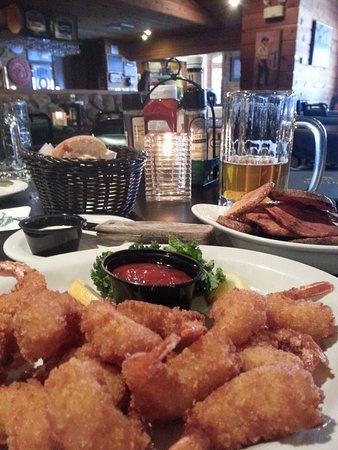 Boone's Long Lake Inn: Fried Shrimp Dinner with cottage fries